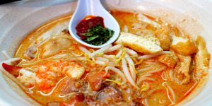 Sungei Road Michelin Laksa from Hong Lim Complex